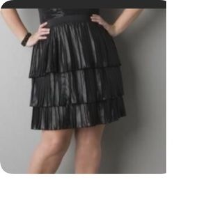 DKNY BLK PLEATED TIERED SKIRT SZ S